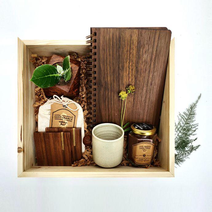 Deck Your Desk Gift Set