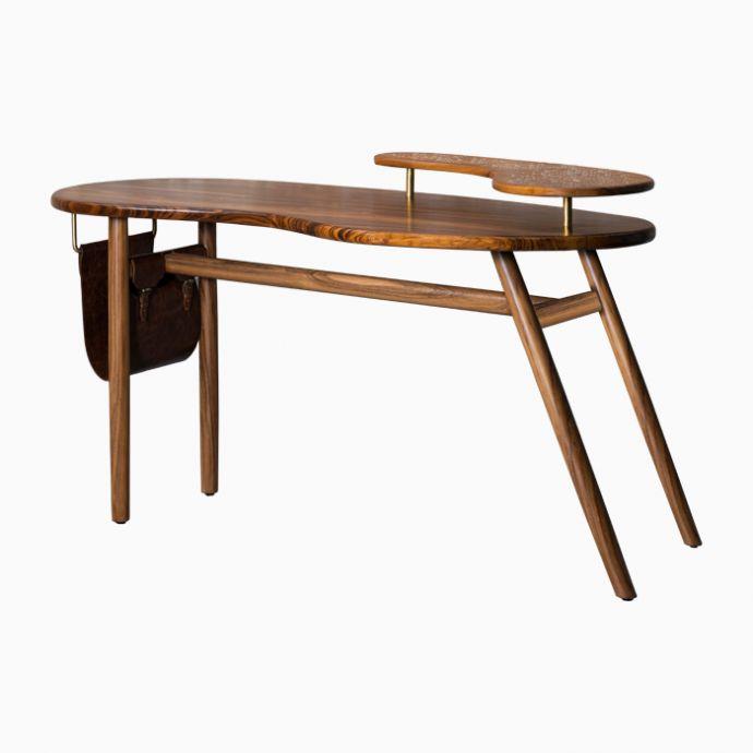Merak Desk (4 legged)